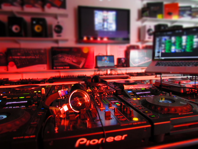 Pioneer Native Instruments Numark and All Leading DJ Equipment Brands