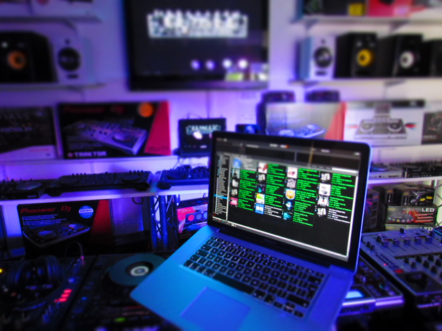 Native Instruments Pioneer Numark Akai Traktor Serato Rekordbox Virtual DJ Ableton Focusrite and All the Most Popular Digital and Laptop DJ and Studio Gear