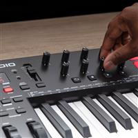 Thumbnail image of M Audio Oxygen 25 MKV USB MIDI Controller with Smart Controls andAuto-Mapping